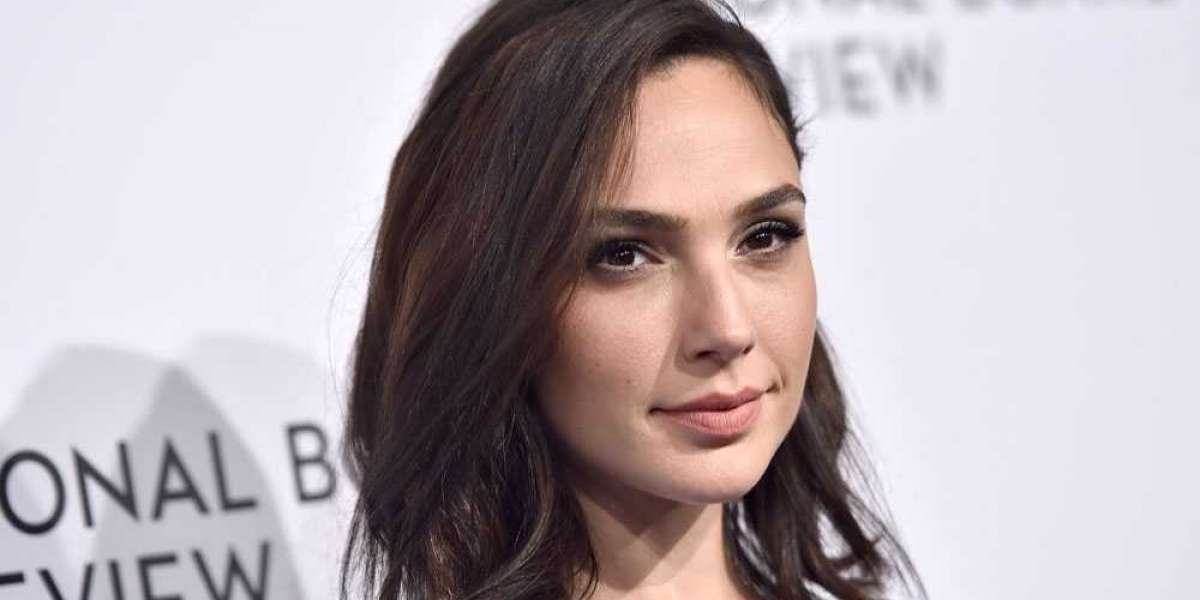 "Gal Gadot Joins the Cast of ""Heart of Stone"""