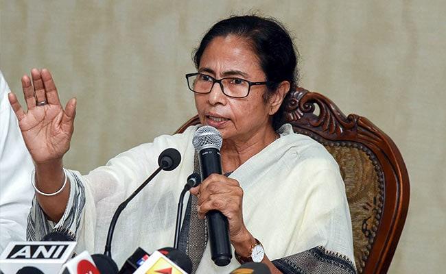 ममता बनर्जी ने केंद्र पर साधा निशाना, बोलीं- उनकी सरकार के साथ भी Twitter जैसा व्यवहार  